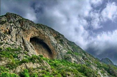 کملطفی گردشگری مازندران به غار تاریخی اسپهبد خورشید سوادکوه