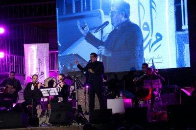 همدردی سالار عقیلی با سیل زدگان سیستان در کنسرت ساری