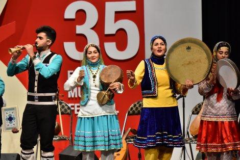 اجرای گروه «آوای تبری» در جشنواره موسیقی فجر