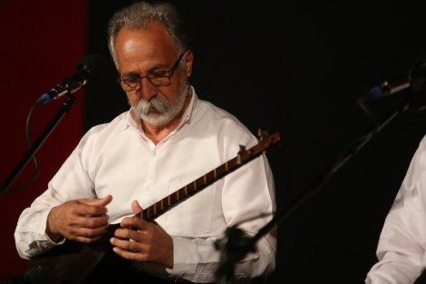 اجرای گروه «تنبورنوازان دالاهو» در سالن هلال احمر ساری
