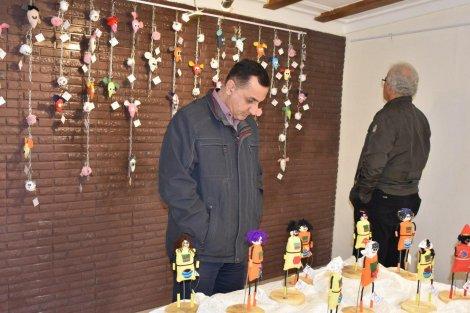 عروسک های دست سازِ «آمن» در گالری هنر بابل