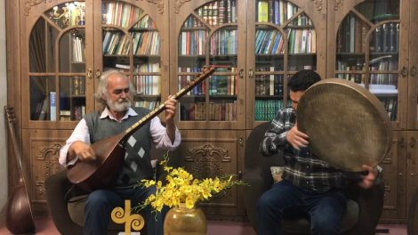 اجرای خانگی «نصرت الله زرگر» پیشکوست موسیقی برای مردم ساری