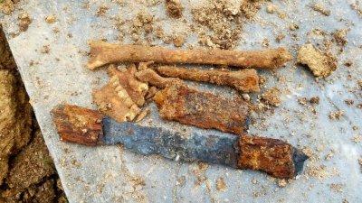 کشف یک گور باستانی در بخش دودانگه ساری