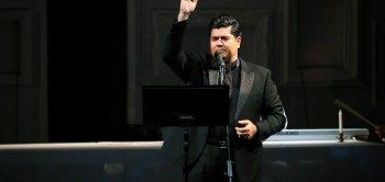 کنسرت آنلاین سالار عقیلی در تالار وحدت برگزار شد