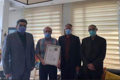 گواهینامه درجه یک هنری به محمد جلیل عندلیبی اهدا شد